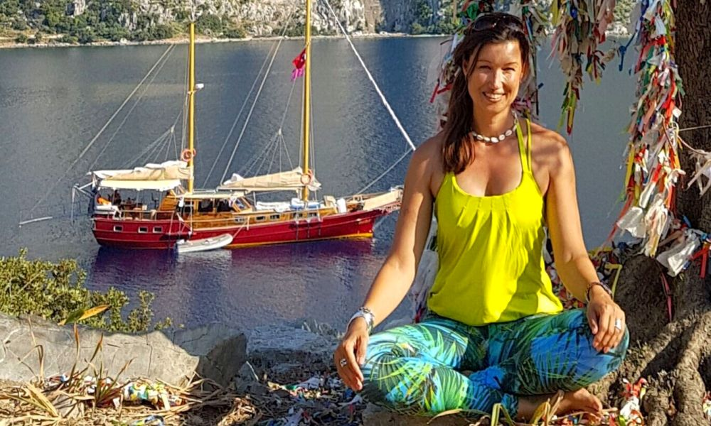 yogacruise met Germaine van Ballegooijen