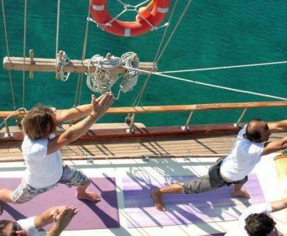 yoga zeilschip