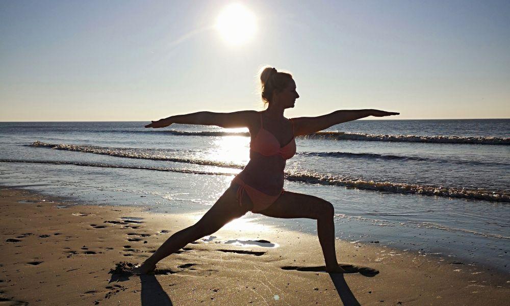Yoga op het Griekse strand